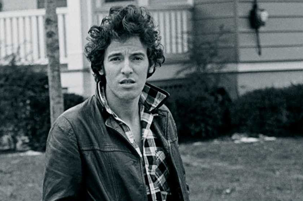 Bruce Springsteen - My Hometown / Santa Claus Is Comin' To Town