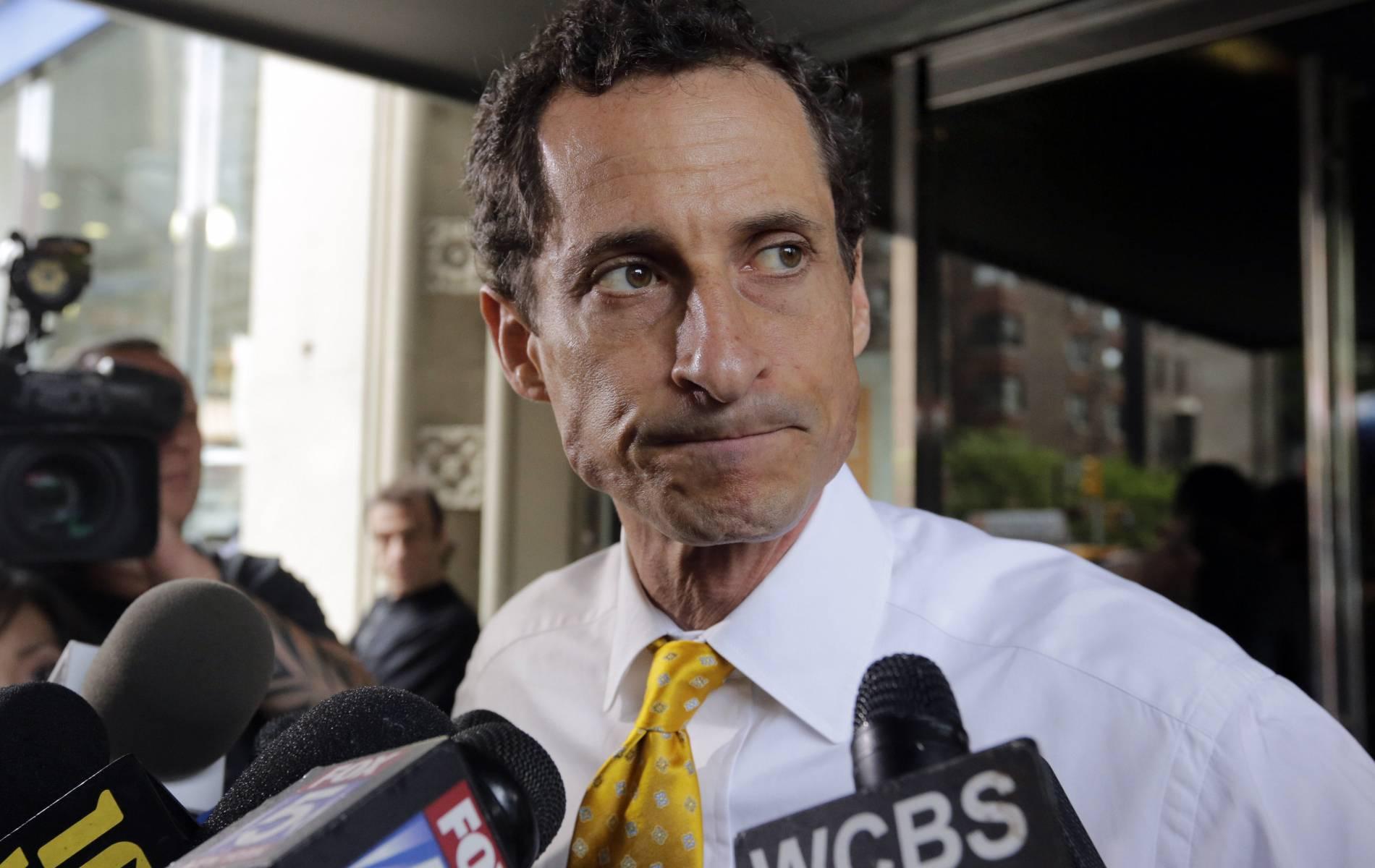 Anthony Weiner sentenced to 21 months in prison