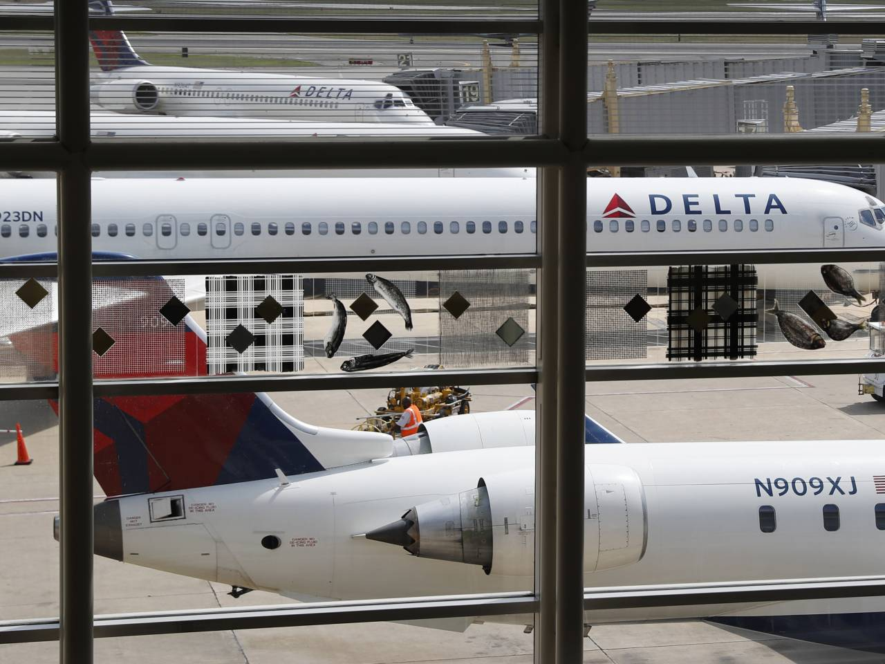 Man attacks Muslim Delta worker at JFK