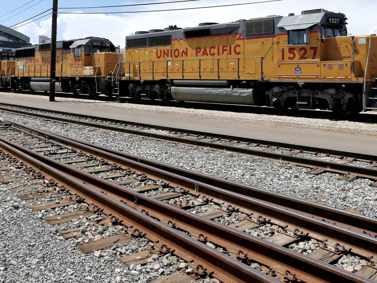 Union Pacific 3Q profit falls 13 percent as shipments slow - Salon.com