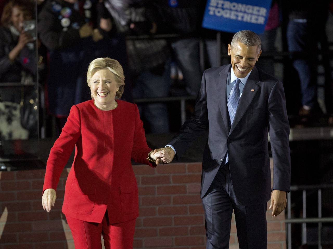 Hillary Clinton Apologized To Barack Obama After Election Loss, Swore To  Never Run For President Again