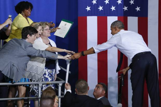 hate donald trump year with cerebral palsy meets president obama after being kicked rally