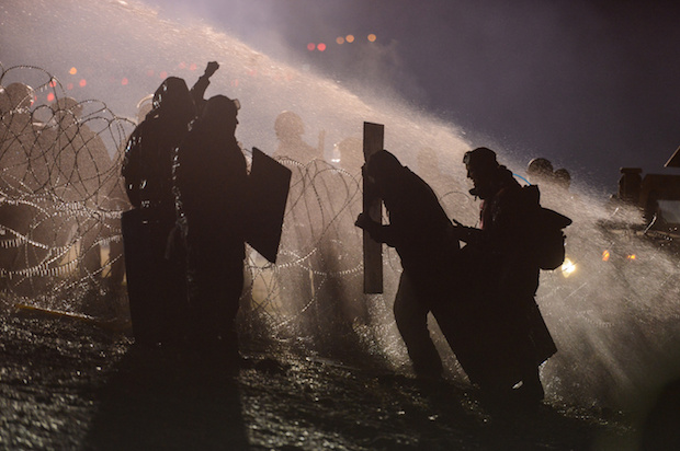 Tear gas fired at Dakota protesters