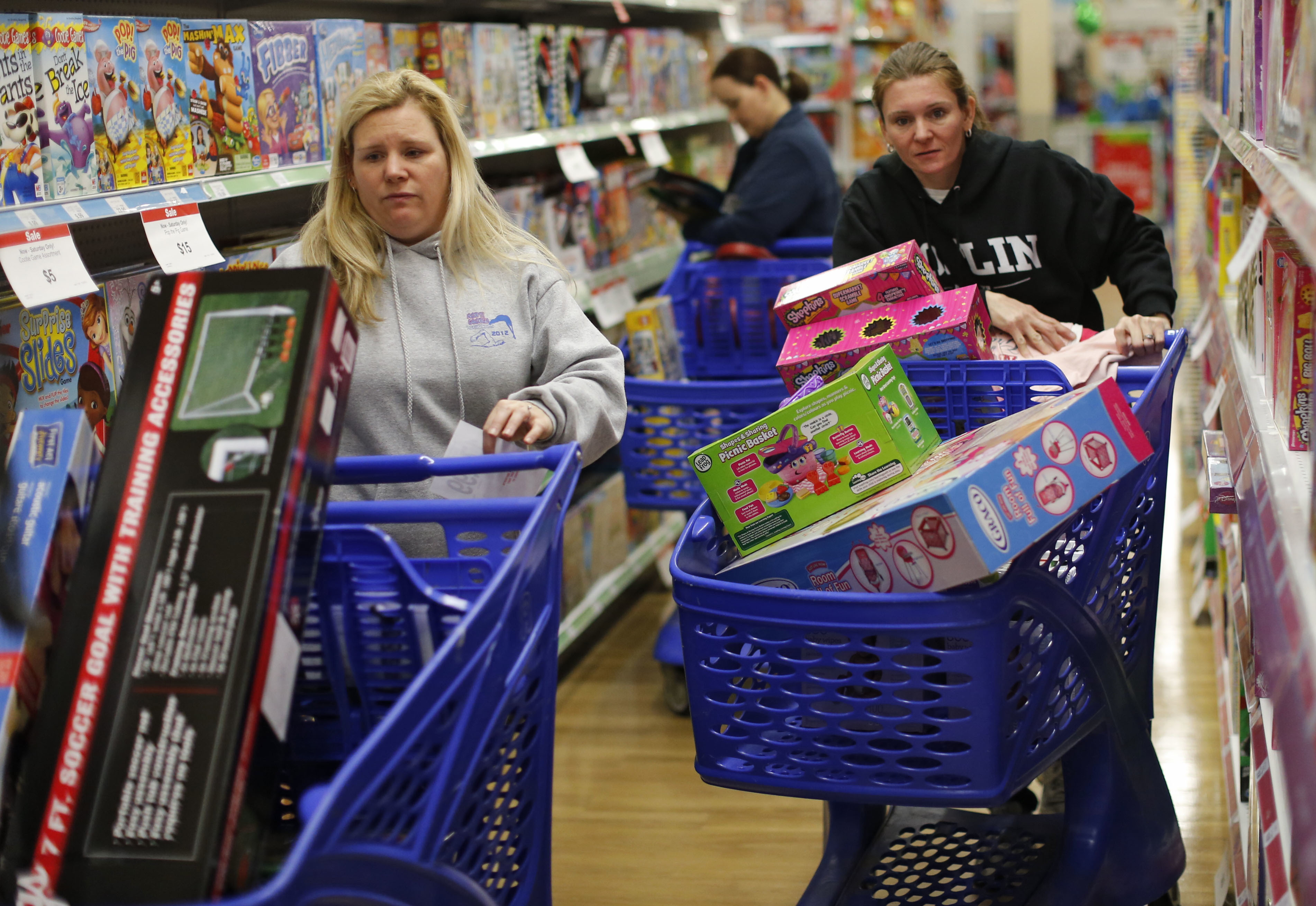 Report: U S  consumers are going to spend $1 trillion this