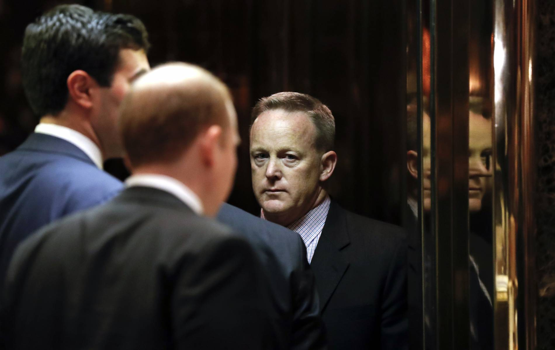 Journalists stand up to Sean Spicer, Donald Trump's press ...