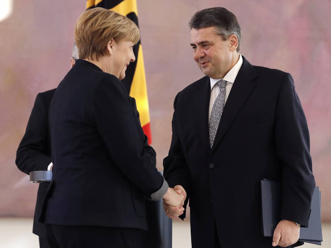 German President names Gabriel new foreign minister, dismisses Steinmeier