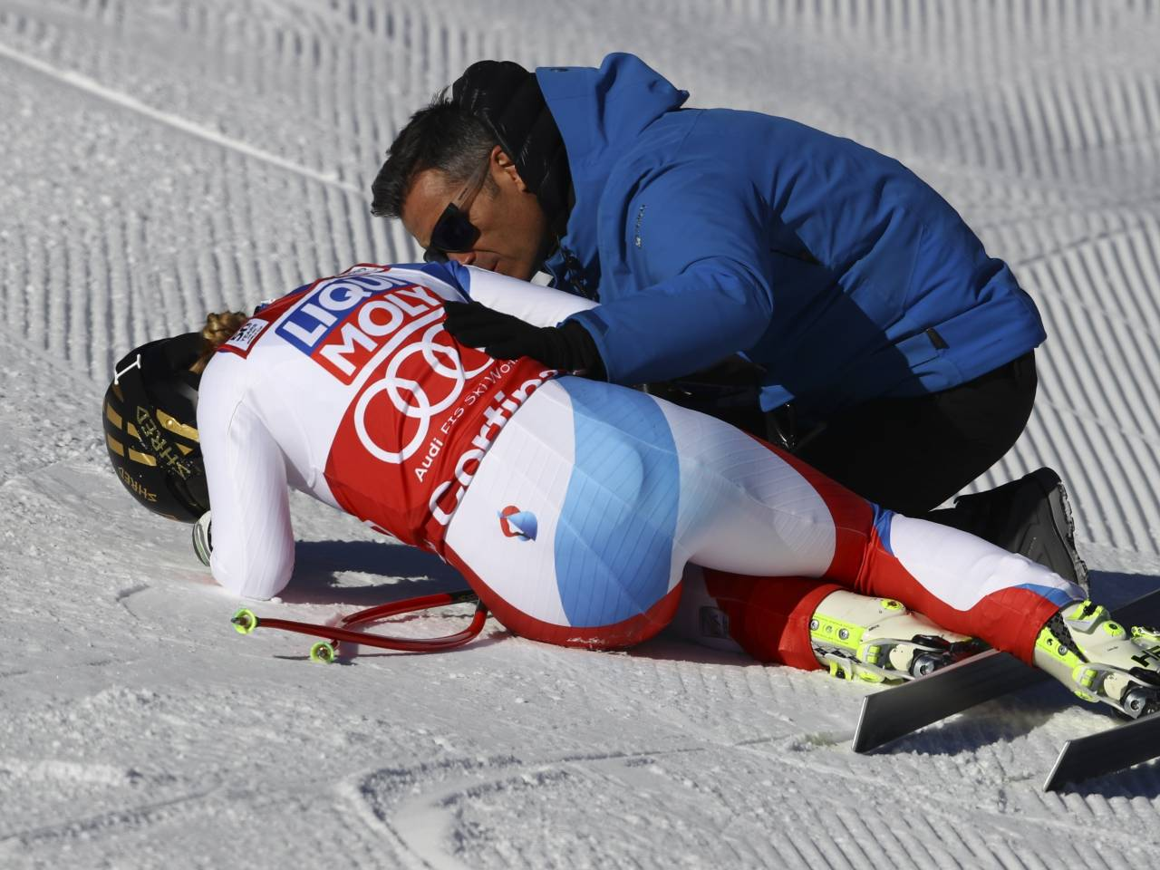 Lindsey Vonn crashes out of World Cup downhill