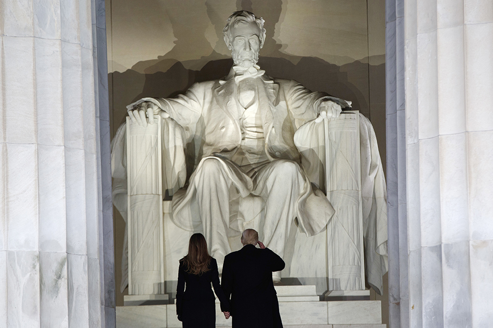 Trump wants to seal off Lincoln Memorial for private Fourth