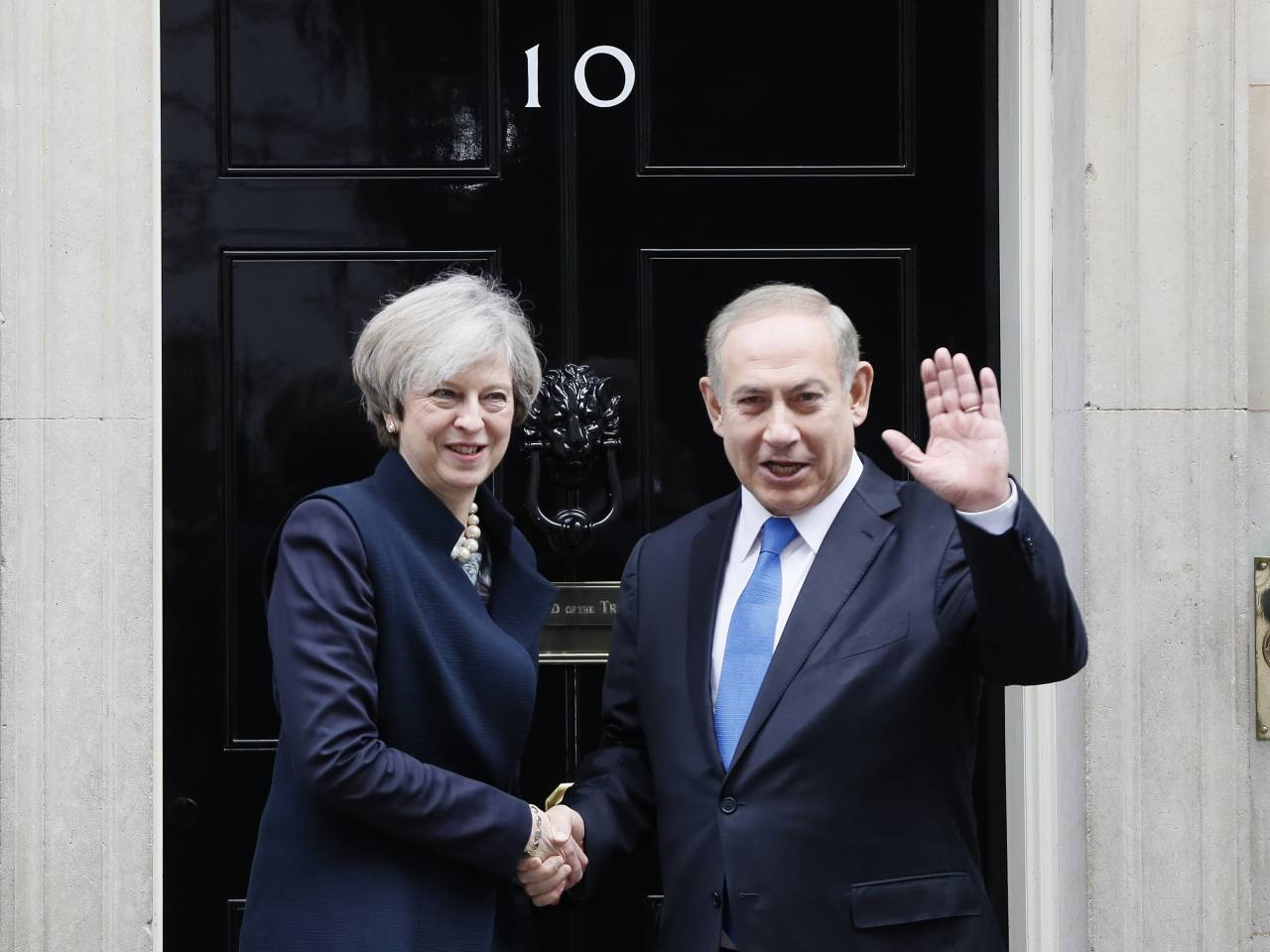 Theresa May makes 'position clear' to Netanyahu on settlements
