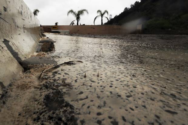 California farmers use floodwater to replenish aquifers