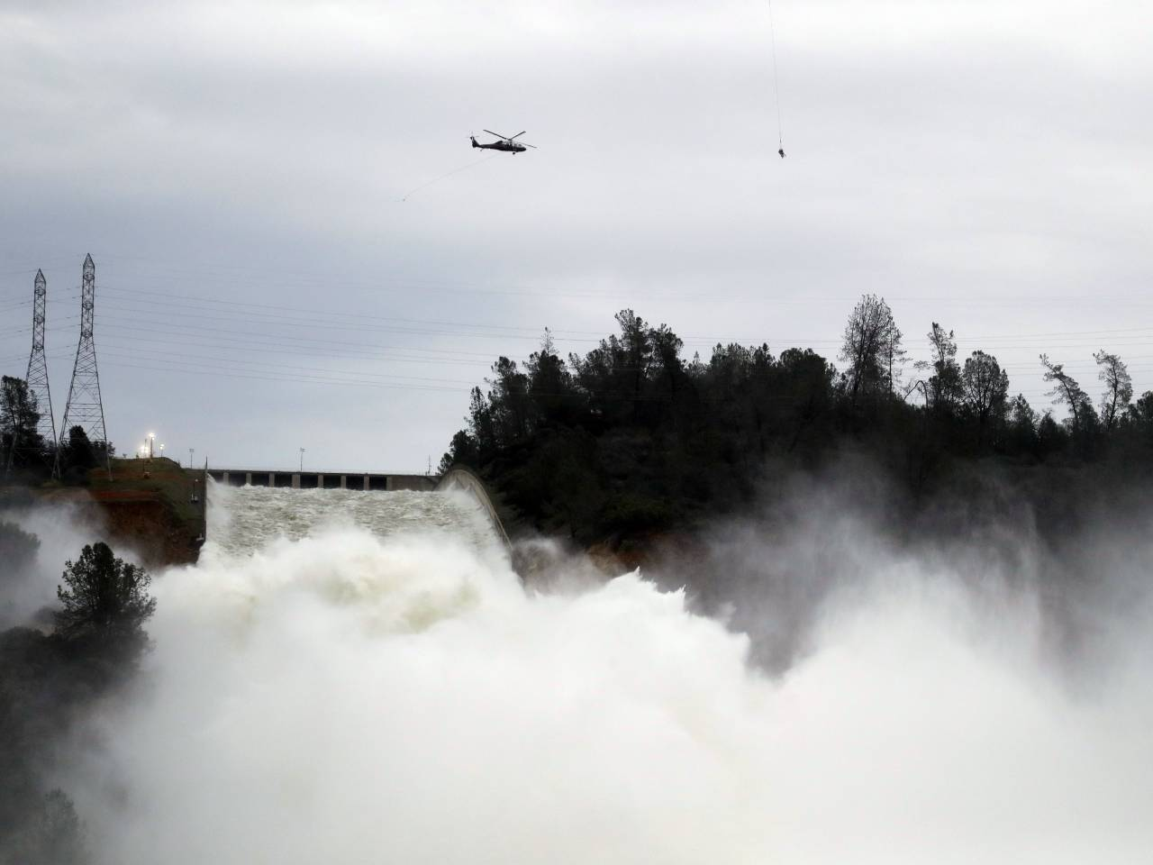 Water Levels At Lake Behind Oroville Dam Keep Dropping