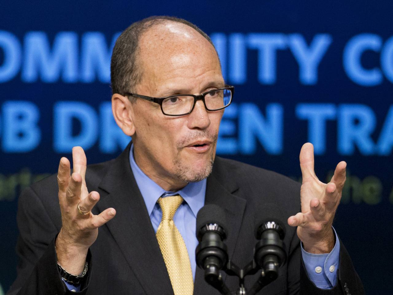 Tom Perez elected new DNC chairman, beating out Rep. Keith Ellison