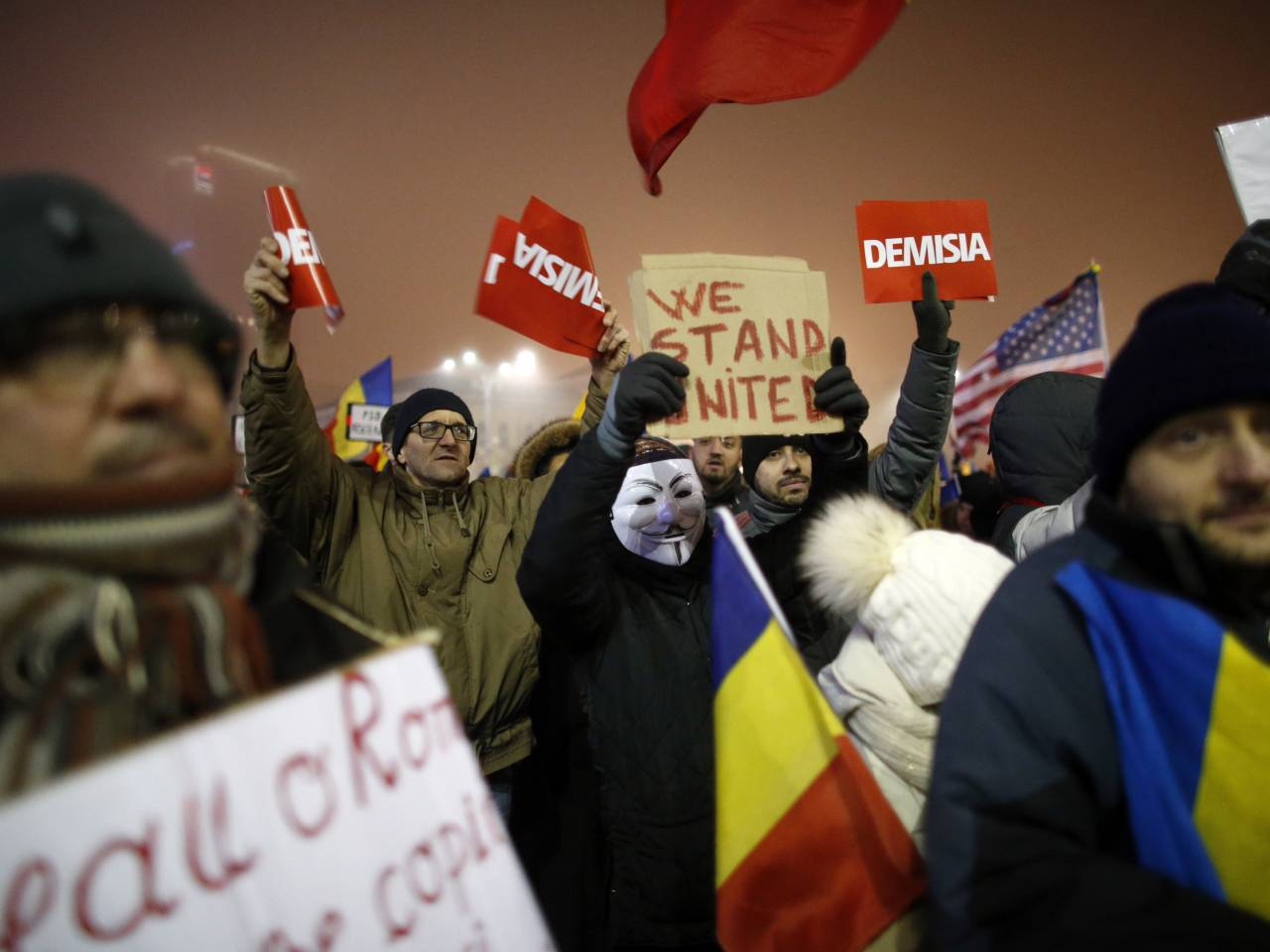 Thousands of Romanian protesters return to streets