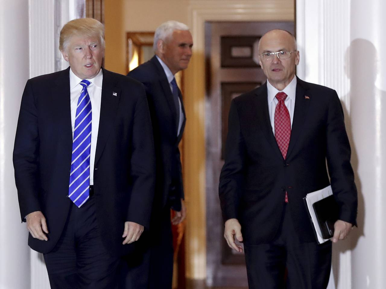 Andrew Puzder's nomination as Trump's labor secretary near collapse as senators waver