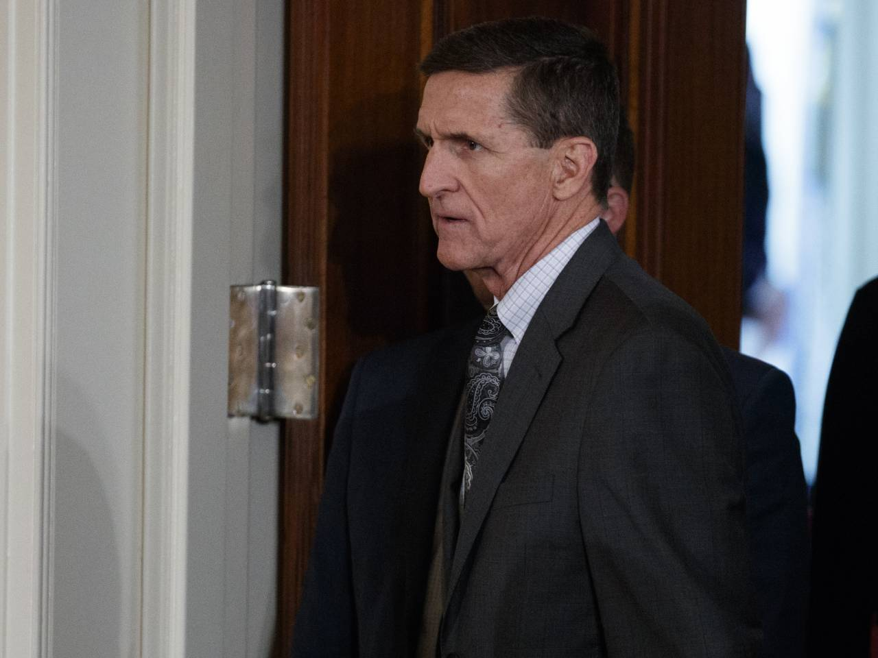 Ex-Trump aide Flynn defies Senate subpoena in Russia probe