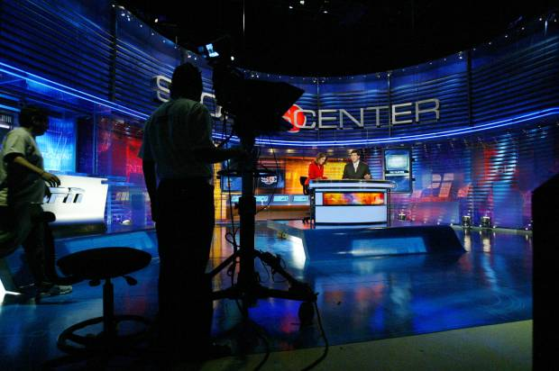 Politics doesn't explain ESPN's subscriber decline