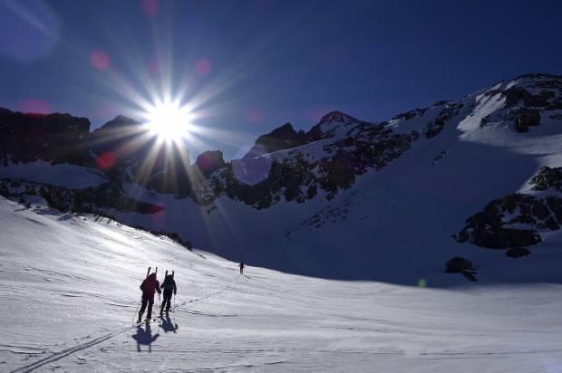 California Snowpack Ski Trek