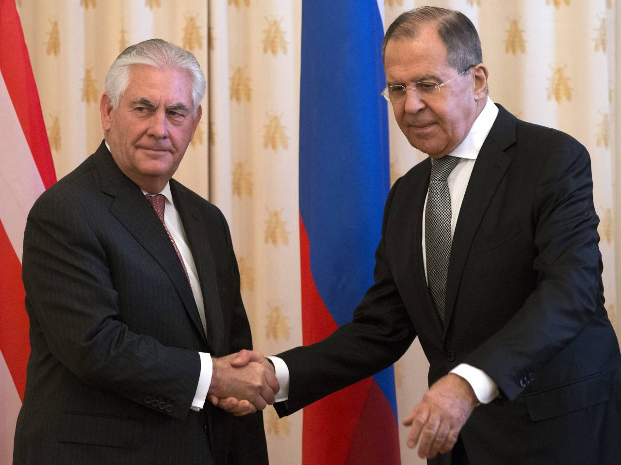 Tillerson: Trump says look past turmoil and re-engage Russia