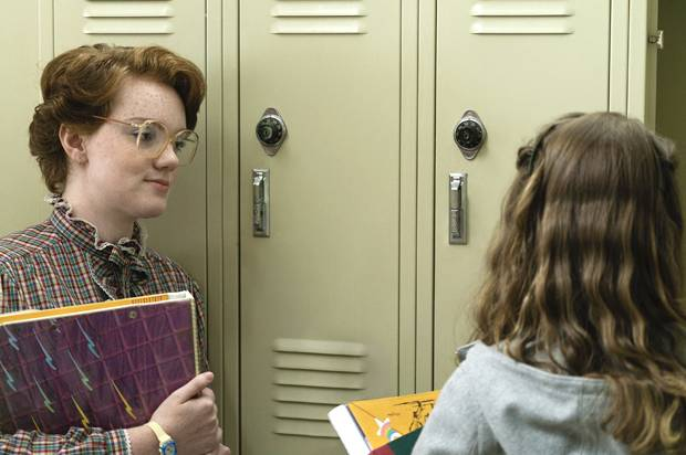 """Shannon Purser as Barb and Natalia Dyer as Nancy in """"Stranger Things"""""""