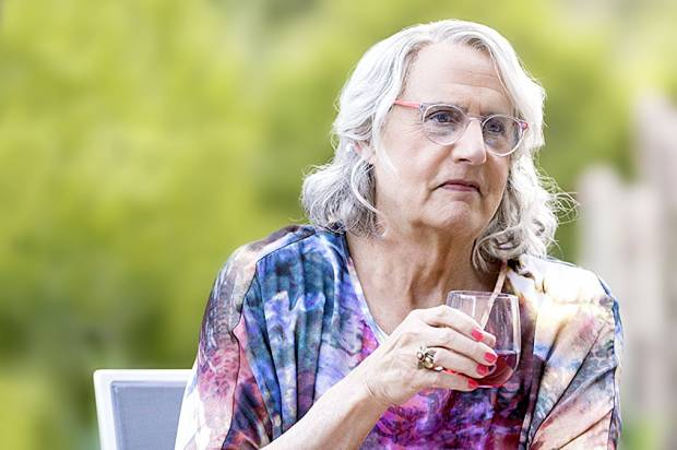 """""""Transparent"""" returns with an opaque muddle of a new season"""