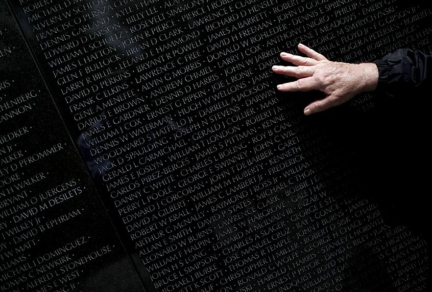 How Maya Lins Vietnam War Memorial Broke The Competitions Biggest Rule  Saloncom-2664