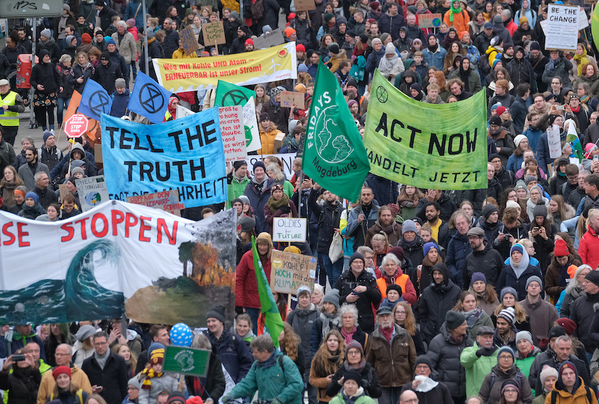 "60,000-strong Fridays for Future protest in Hamburg, Germany prompts question: ""Where are you, USA?"""