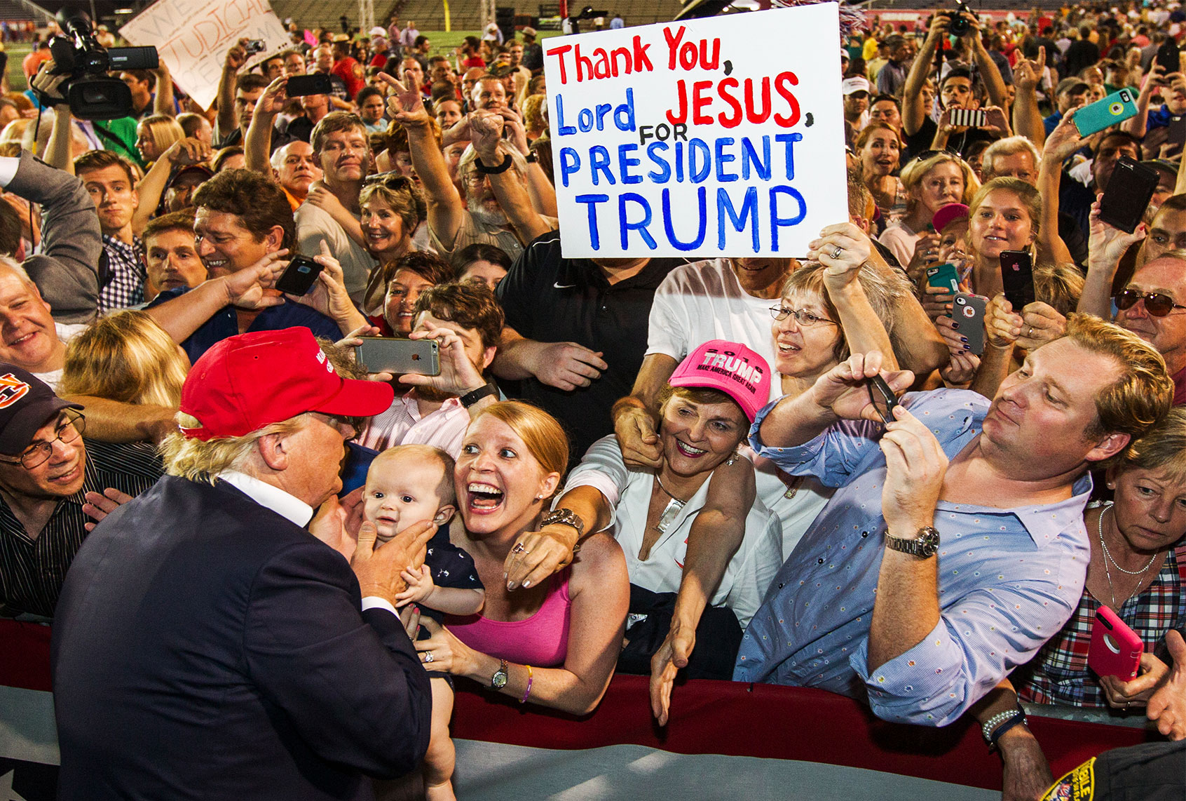 donald-trump-supporters-1112201.jpg