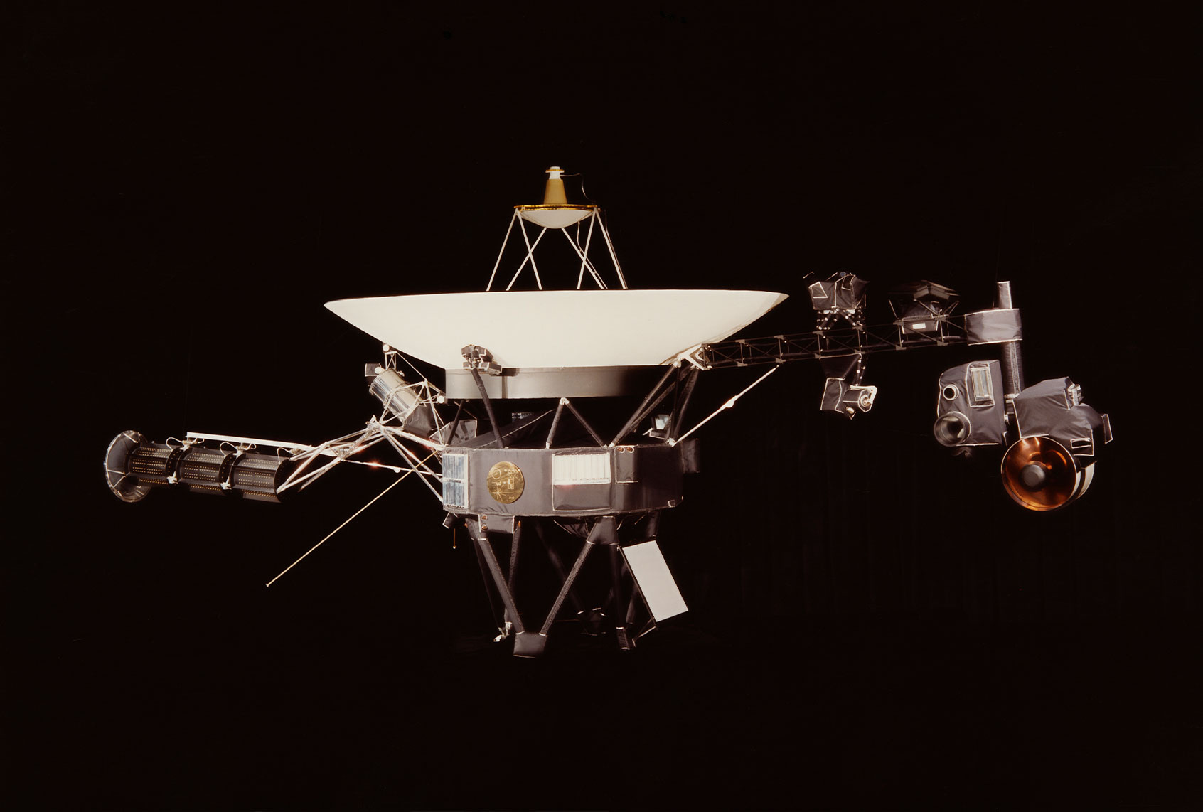 "The Voyager 1 probe is now so far away that it can hear the background ""hum"" of interstellar space - Salon"